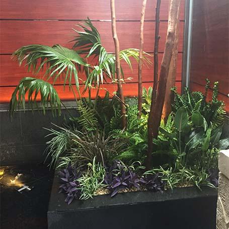 ボリュームのある植栽でオリエンタルなイメージを大胆に演出